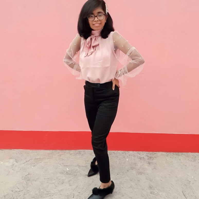 Pastel blouse for workwear outfit